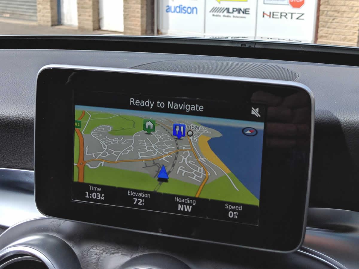 First class Mercedes Navigation by Garmin